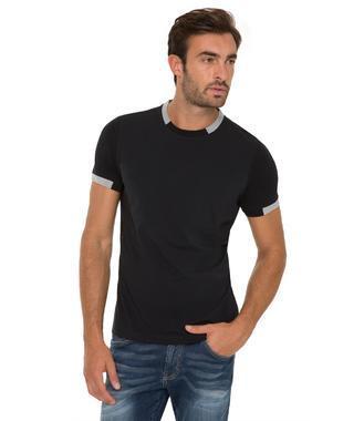 černé tričko CHS-1801-3016