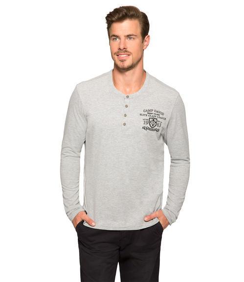 Šedé tričko s kontrastní nášivkou|M/L - 1
