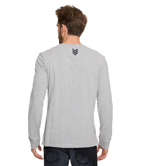 Šedé tričko s dlouhým rukávem a potiskem s nášivkou|M - 2