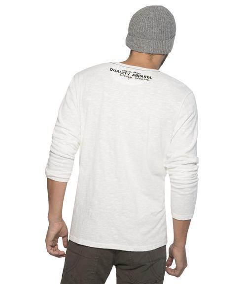 bílé tričko s dlouhým rukávem a potiskem|M - 2