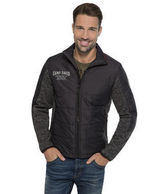 černá mikinová bunda