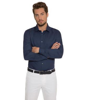 Tmavě modrá košile s kontrastní vnitřní stranou límce