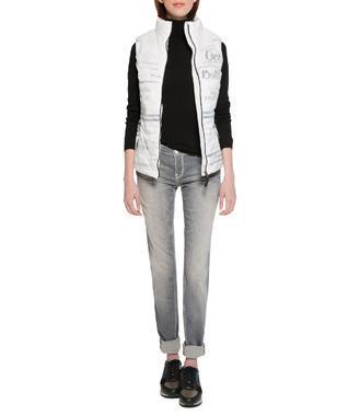 Světlé džíny se sepraným efektem